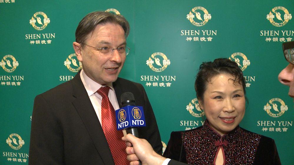 """Chinesin bei Shen Yun: """"Ich bin stolz auf mein Land, diese Künstler und den Tanz"""""""