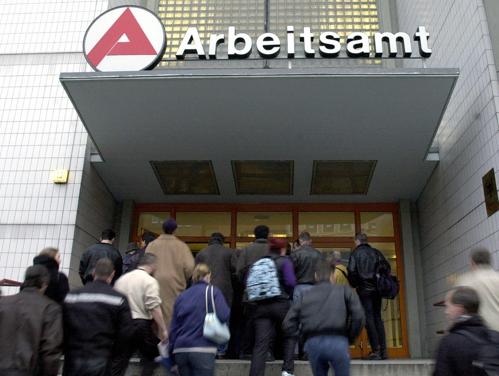 Statt 3 Millionen Arbeitslose über 7 Millionen in Deutschland