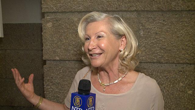 Maria Resch bei SHEN YUN im Festspielhaus Salzburg am 21. April 2015