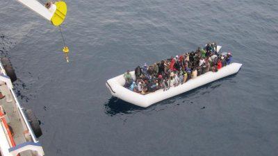 Politiker fordern Konsequenzen aus Flüchtlingskatastrophe