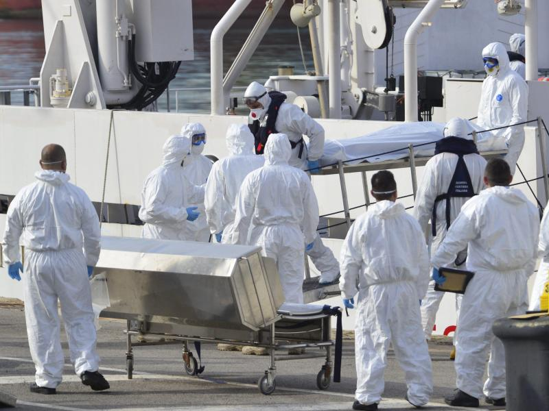 EU plant Sondergipfel – Erneut Flüchtlingsboote inSeenot