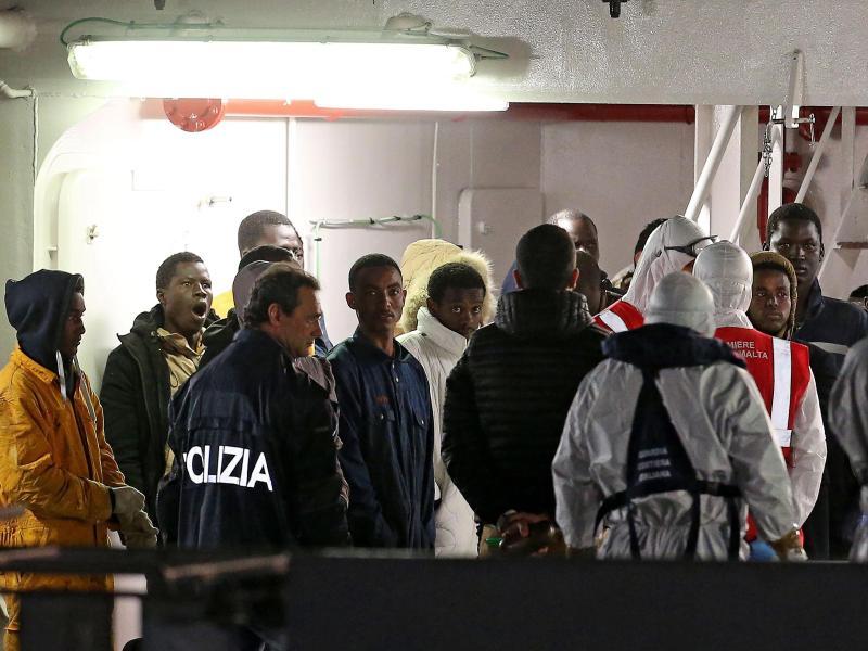 Kapitän von Flüchtlingsschiff festgenommen