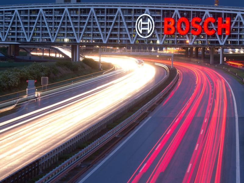 Schwacher Euro schiebt Geschäfte bei Bosch kräftig an