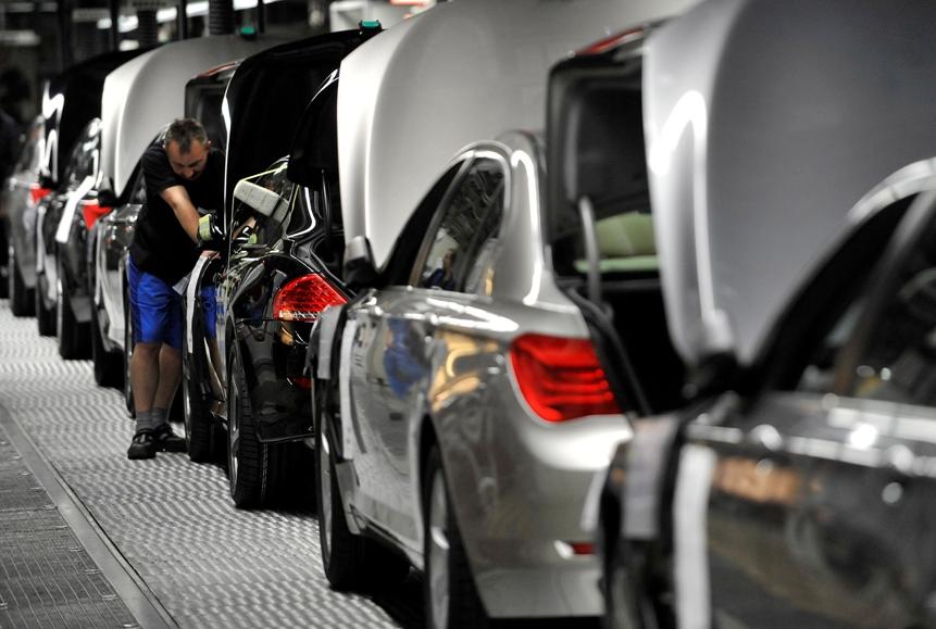 Ifo-Branchenindikator: Lage der deutschen Autohersteller leicht verbessert