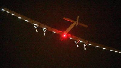 """Schweizer Sonnenflieger """"Solar Impulse 2"""" auf dem Weg nach Hawaii"""