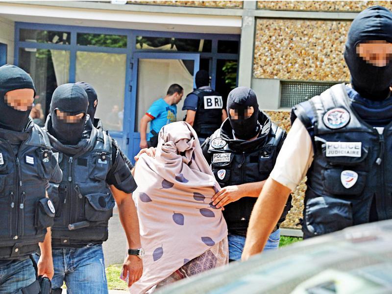 Report: Der unauffällige Terrorist aus dem ersten Stock links