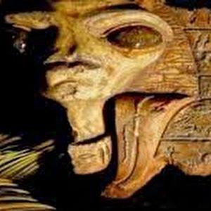 Des objets extraterrestres égyptiens Face__alien__aliens__moon__lunar__surface__evidence__building__structure___egypt_Shot_2012-03-03_at_4.00.46_PM-300x300