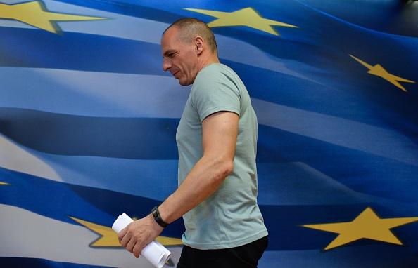 Finanzminister Varoufakis legt sein Amt nieder.