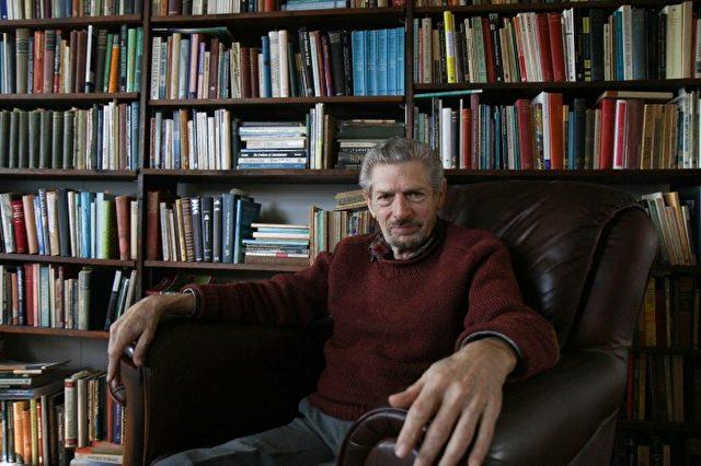 Michael Grosso, Ph.D., in seinem Haus in Charlottesville, Virginia, am 4. Februar 2015.