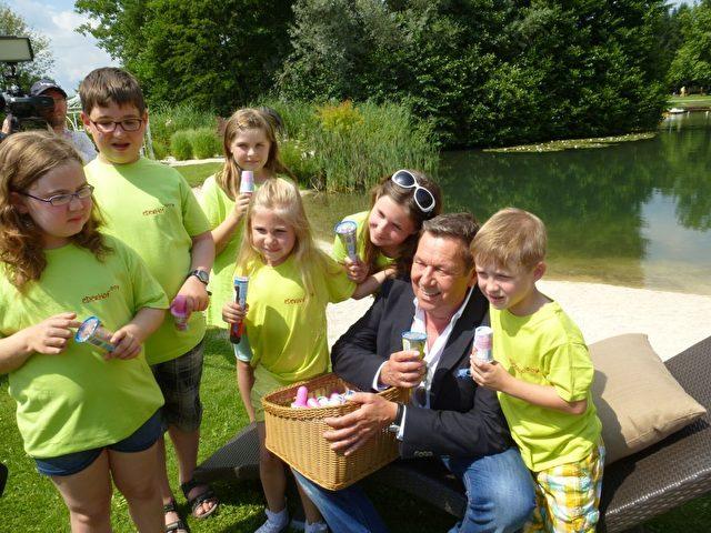 Roland Kaiser besucht Kinder im Ederhof, Rudolf-Pichlmayr-Stiftung