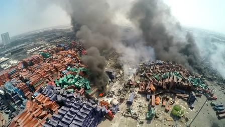 Dringende Evakuierung: Neue Explosionen und Feuer in Tianjin Gefahrgut-Lagern