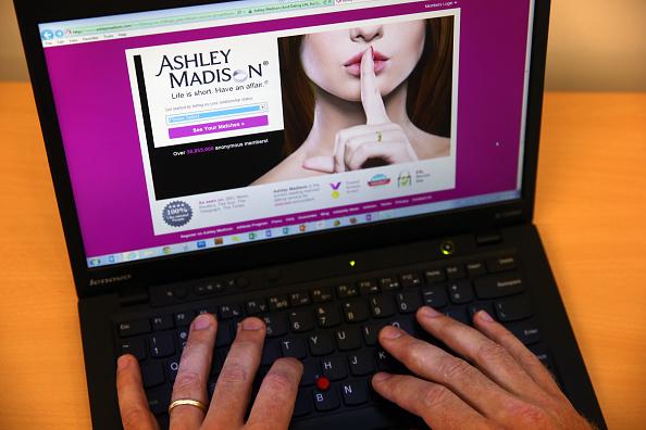 """Ashley Madison Hacker-Skandal: Nutzer verklagen das """"Betrüger""""-Portal auf 578 Mio. Dollar"""