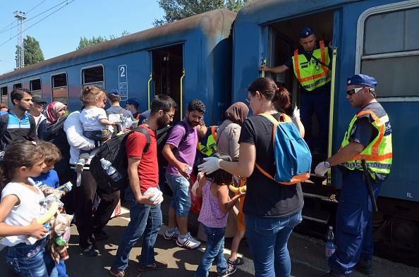 Flüchtlinge in Ungarn drängen nach Westen