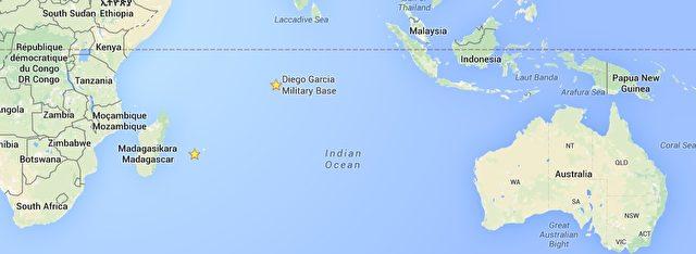 Die gelben Sterne zeigen die Lage von Diego Garcia und La Réunion. Die beiden Inseln liegen nur rund 2300 Kilometer von einander entfernt.