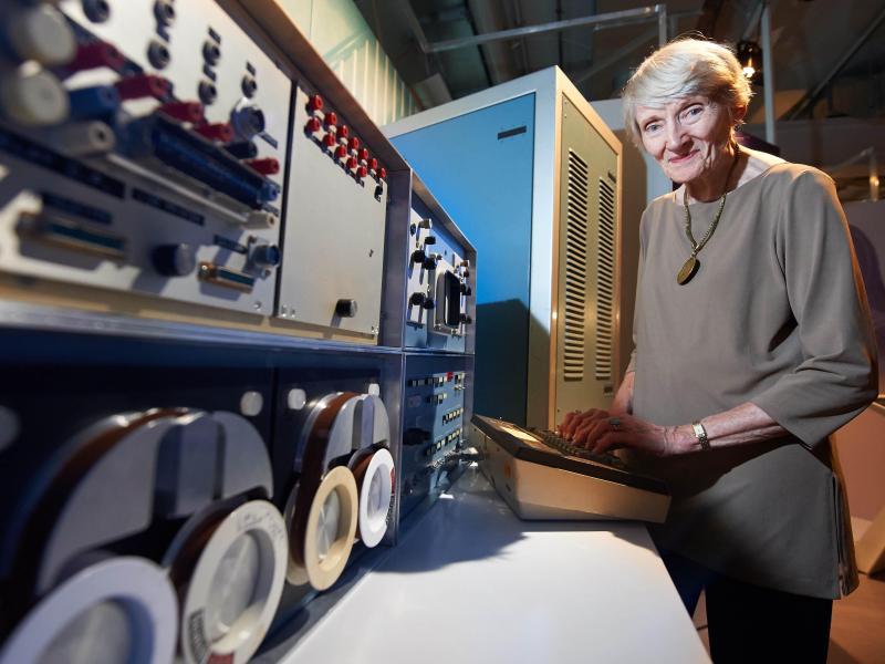 Die weibliche Seite der IT:Von Ada Lovelace zur Roboterfrau