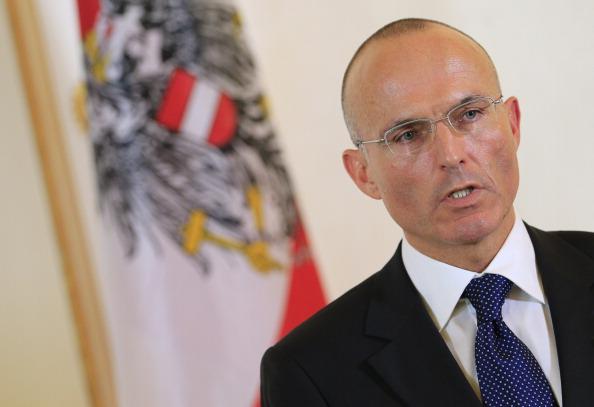 Österreichs Liberale Muslime warnen Verteidigungsminister vor Unterwanderung des Heeres