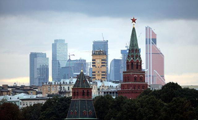 Turm des Kreml in Moskau mit dem Moskauer Bankenviertel im Hintergrund Foto: über dts Nachrichtenagentur