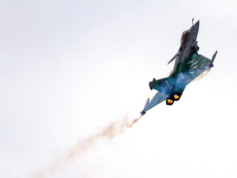 Frankreich schickt Luftwaffe gegen ISnach Syrien