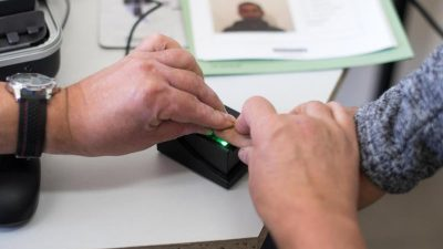 Hinweise auf Sozialbetrug-Vertuschung: Steuerzahler-Bund erstattet Strafanzeige gegen Asylbehörde