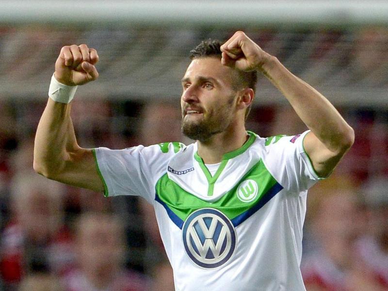 Wolfsburg verliert knapp bei Schweinsteigers ManUnited