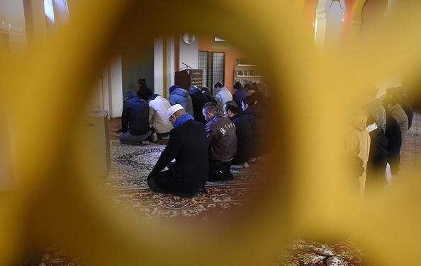 Moslems in einer Moschee in Deutschland Foto: TOBIAS SCHWARZ/Getty Images