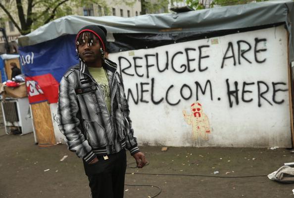 Ein Nigerianer in Kreuzberg, 2014. Foto: Sean Gallup/Getty Images