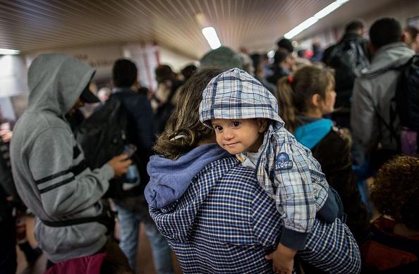 Flüchtlinge im Dortmunder Hauptbahnhof. Foto: MAJA HITIJ/AFP/Getty Images