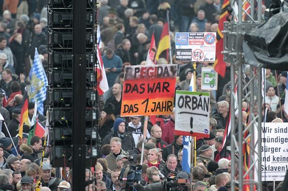 Die Pegida-Demo am 19. Oktober. Foto: ROBERT MICHAEL/AFP/Getty Images
