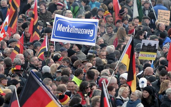 Pegida-Demo in Dresden, 19.10.2015 Foto: ROBERT MICHAEL/Getty Images