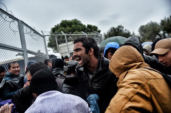 Starker Regen in Griechenland macht den Flüchtlingen zu schaffen, es herrscht Wut vor der Registriereinrichtung Foto: ARIS MESSINIS/AFP/Getty Images