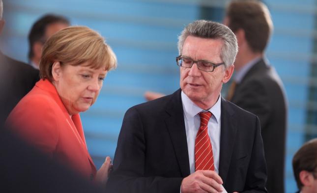 Merkel sieht trotz Kritik CDU-Rückhalt für Flüchtlingspolitik
