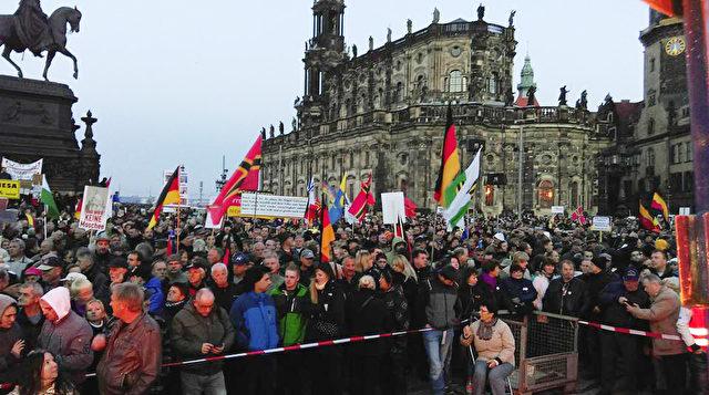 Bundesjustizminister Heiko Maas warnt die Bürger vor der Teilnahme an Pegida-Demos. Foto: Gregor Fischer/dpa