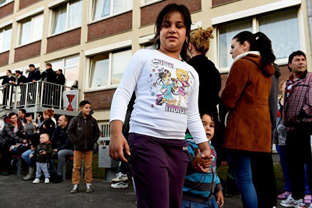 Die Zahl der minderjährigen unbegleiteten Migranten steigt extrem an. Foto: PATRIK STOLLARZ/AFP/Getty Images