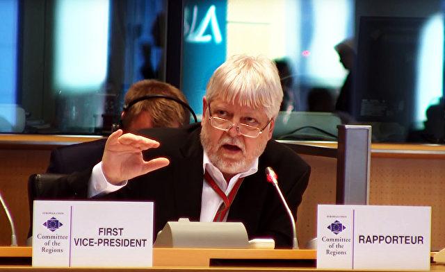 Helmuth Markov während der 115. Plenarsitzung des Auschusses der Regionen. Foto: YouTube Screenshot / Committee of the Regions