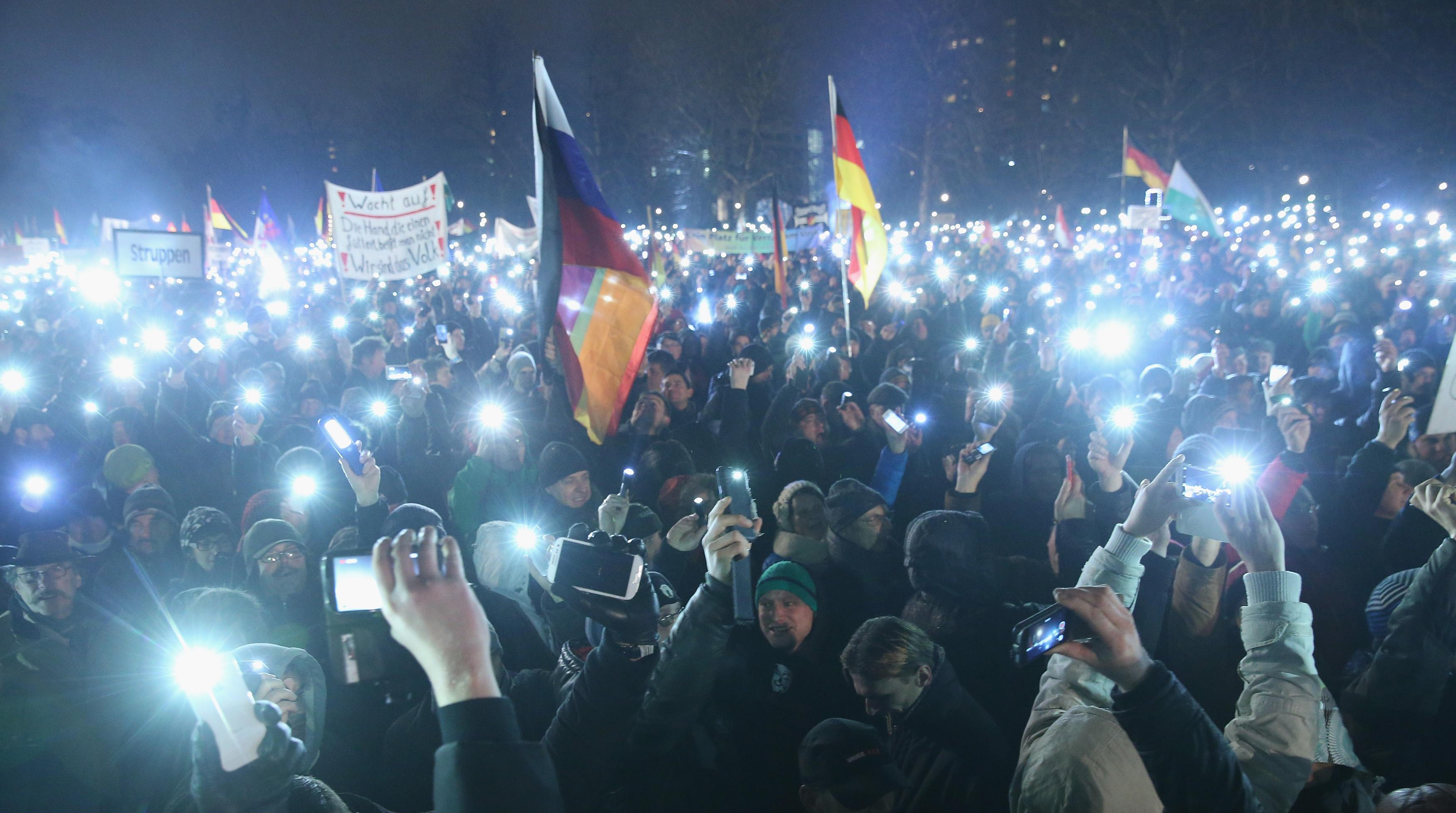 Dresdner Polizei plant Großeinsatz: Antifa rief zu Krawall gegen Pegida auf
