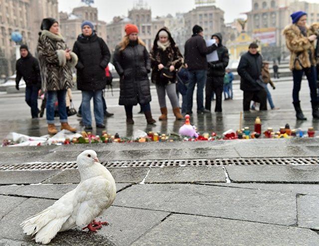 Die Verzweiflung der Menschen in der Ukraine wird jedoch mit jedem Tag größer, denn die Perspektivlosigkeit ist furchtbar. Also können wir uns schon mal auf die nächste Flüchtlingswelle einstellen, denn aus der Ukraine wollen eigentlich alle nur noch weg.