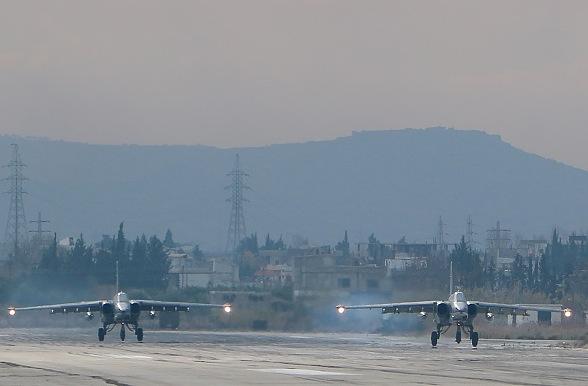 Russische SU24-Bomber Foto: PAUL GYPTEAU