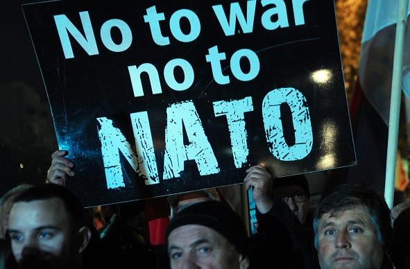 Regierung Montenegros wankt: Volk protestiert gegen Nato-Beitritt
