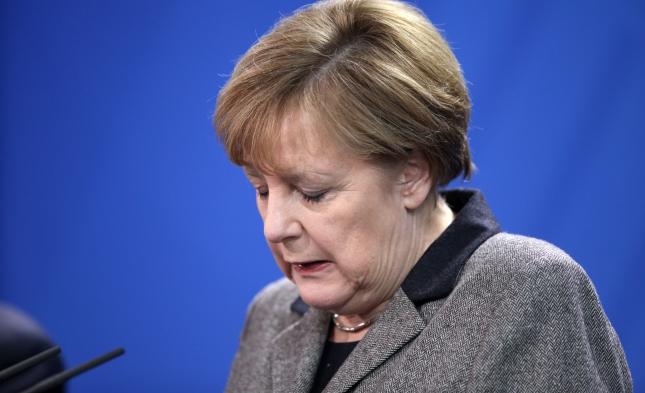 Flüchtlingspolitik: EU-Ratspräsident Tusk ruft Merkel zu Kehrtwende auf