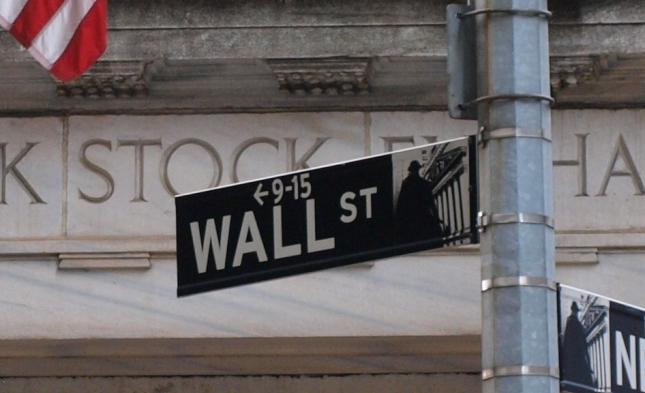 Dow lässt 2015 um 2,2 Prozent nach