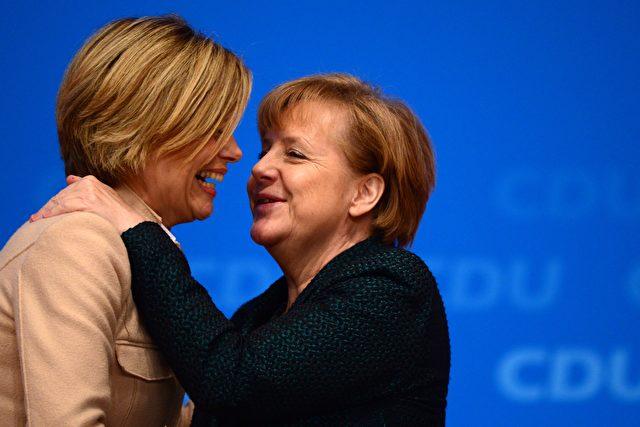 Angela Merkel und Julia Klöckner. Foto: JOHN MACDOUGALL/AFP/Getty Images