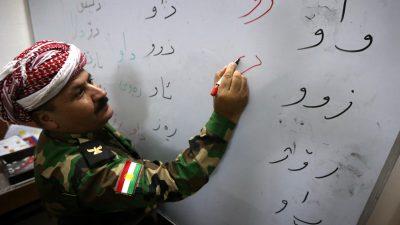 Lehrer verhaftet, da sie nicht nach Regeln des IS unterrichten