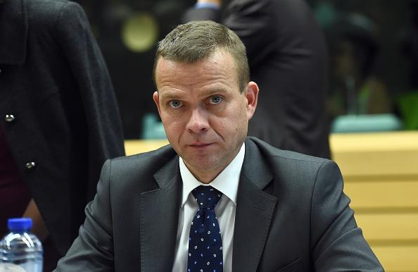 """Finnlands Innenminister Petteri Orpo sagt: Die Polizei habe durch Geheimdienstinformationen von """"geplanten Verbrechen"""" an Silvester erfahren. Foto: EMMANUEL DUNAND/AFP/Getty Images"""