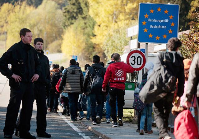 Flüchtlinge an der deutschen Grenze. Foto: Getty Images
