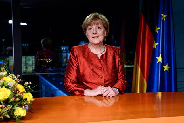 Angela Merkels Neujahrsansprache wurde von einem 87-jährigen CDU-Funkionär scharf kritisiert. Foto: Ukas Michael - Pool/Getty Images