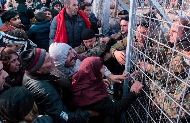 Dobrindt: 4.000 Flüchtlinge pro Tag sind nicht verkraftbar – Kehrtwende in der Flüchtlingspolitik