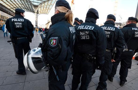 Polizei Foto: ROBERTO PFEIL/Getty Images