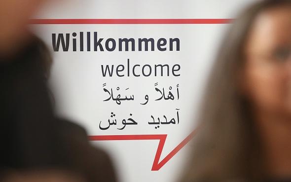 """Schweden enttarnt messerstechendes """"Flüchtlingskind"""" als 23-Jährigen"""