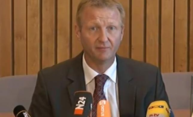 NRW-Innenminister Jäger sagt Karnevalsparty nach Kritik ab