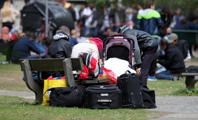 Verfahren dauert zu lang: Fast 2500 Asylbewerber klagen gegen den Bund